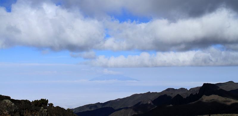 Mount Meru (4,565 m) in the distance
