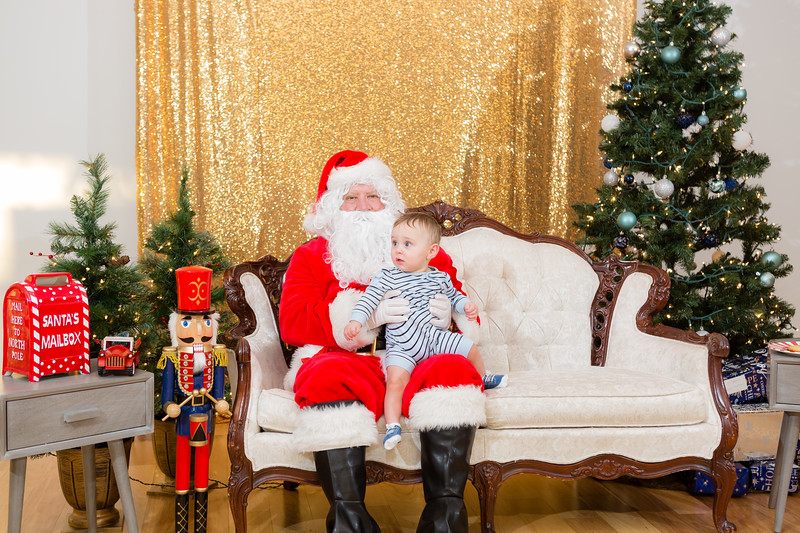 FADS Picture with Santa-226.jpg