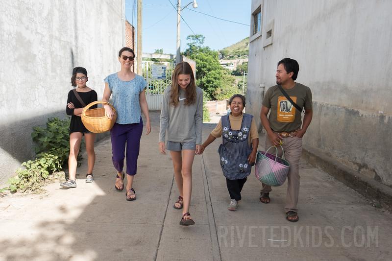 Oaxaca Riveted Kids (090).jpg
