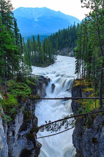 Upper Sunwapta Falls