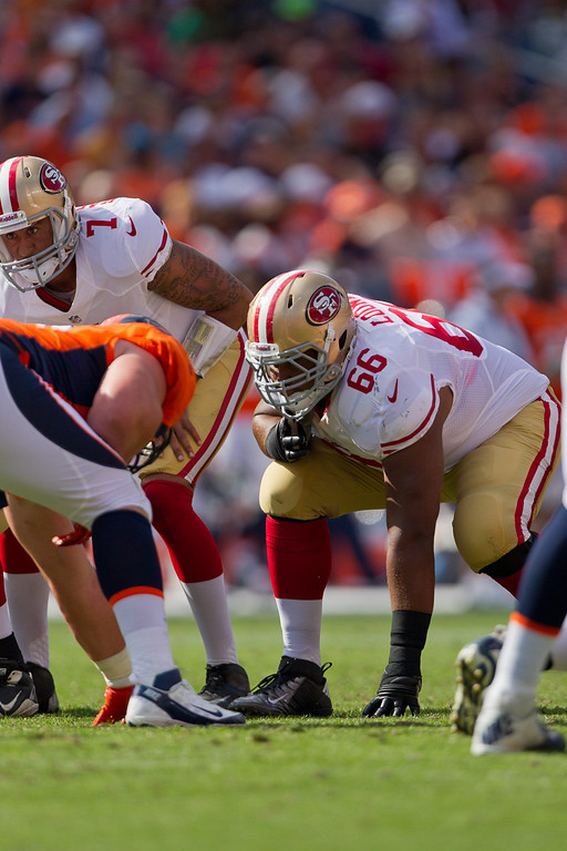 ". <p>8. (tie) JOE LOONEY <p>Cheap-shot Niner will need a REALLY good knee brace for his next game against Vikings. (unranked) <p><b><a href=\'http://www.twincities.com/sports/ci_23953302/minnesota-vikings-49ers-joe-looney-says-block-kevin\' target=""_blank\""> HUH?</a></b> <p>     (Justin Edmonds/Getty Images)"