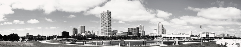 Milwaukee Panorama 1bw.jpg