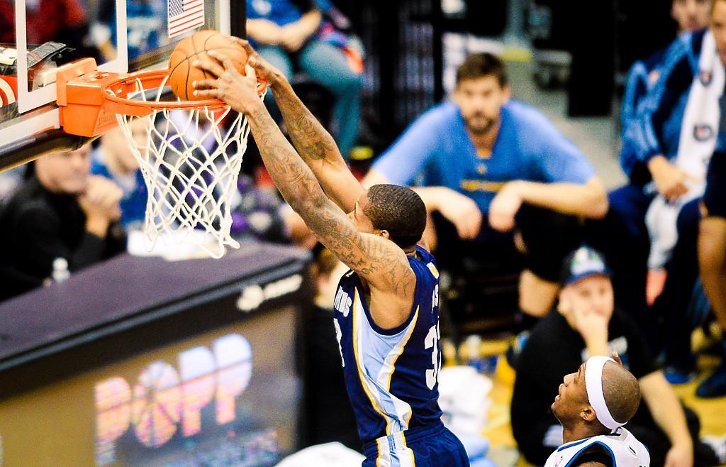 . Memphis Grizzlies power forward Ed Davis slams during the game. (Pioneer Press: Ben Garvin)