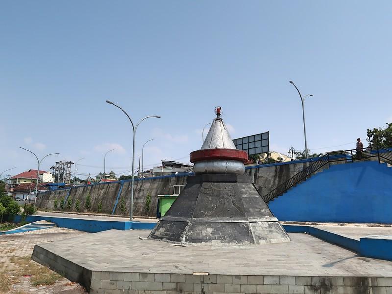 IMG_3256-krakatau-monument.jpg