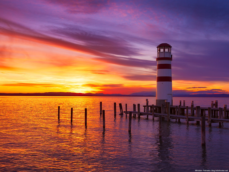 A-sunset-lighthouse-1600x1200.jpg