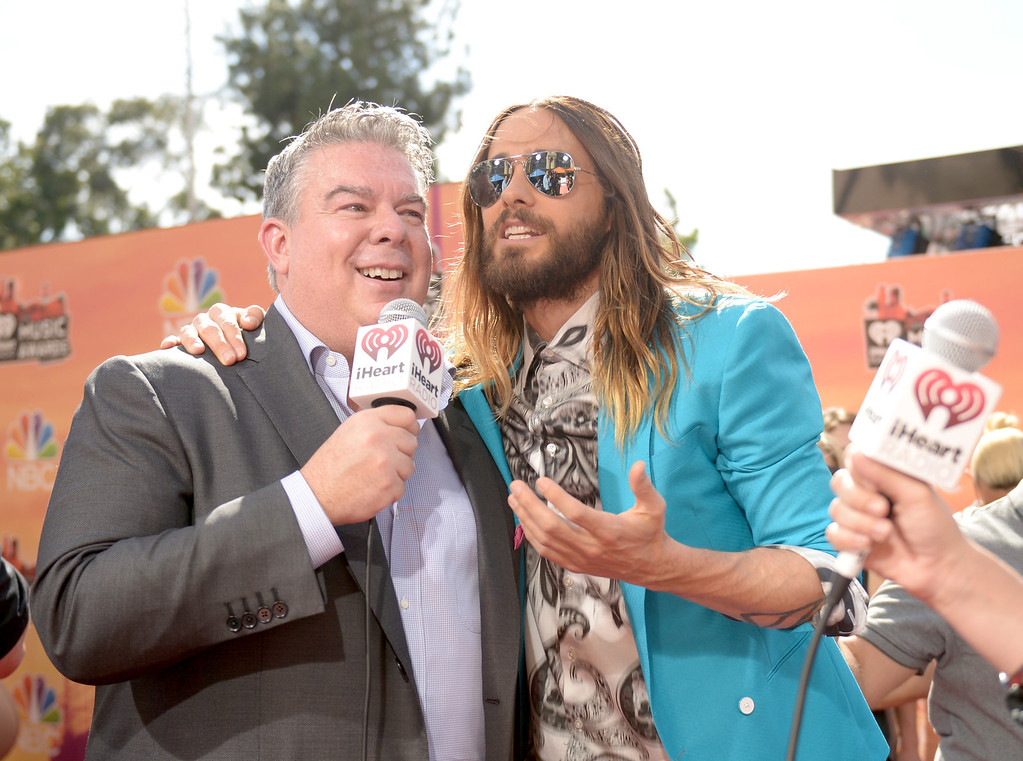 . LOS ANGELES, CA - MAY 01:  Radio personality Elvis Duran (L) and actor Jared Leto attend the 2014 iHeartRadio Music Awards held at The Shrine Auditorium on May 1, 2014 in Los Angeles, California. iHeartRadio Music Awards are being broadcast live on NBC.  (Photo by Jason Kempin/Getty Images for Clear Channel)
