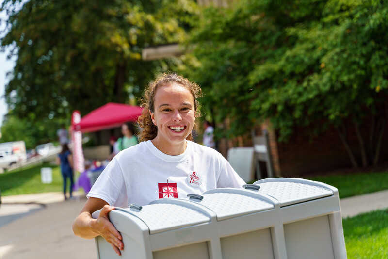 RHIT_Freshman_Move_In_Day_2019-8206.jpg