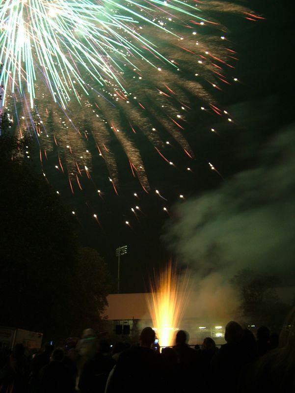 2004_1105putneyfireworks20079.JPG