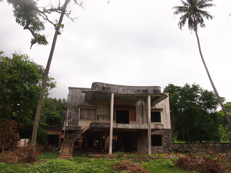 PB163785-abandoned-villa.JPG
