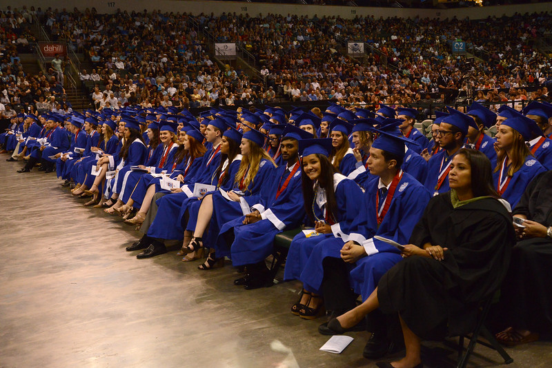 LHS-Graduation_004.jpg