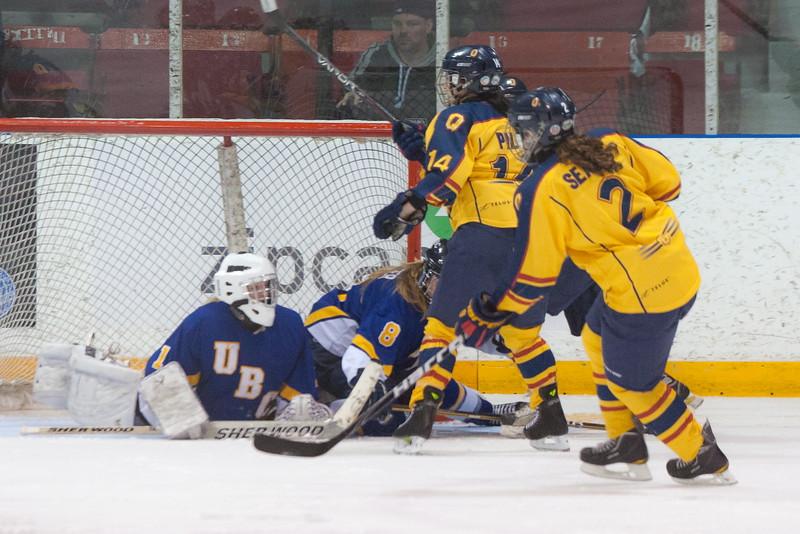 20130310 QWHockeyvsUBC 573.jpg