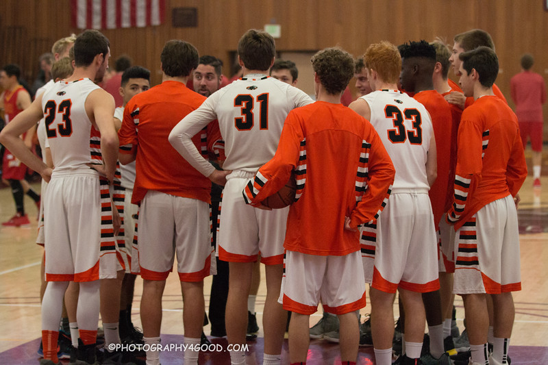 Varsity Boys 2017-8 (WM.) Basketball-0913.jpg
