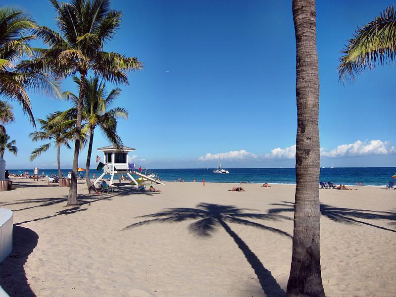Fort Lauderdale Hilton Beach Resort & Beach Scenes - November 2010