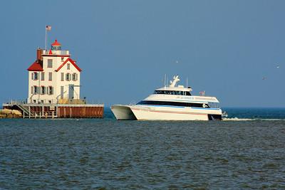 Boats-Vessels-Ships & Tugs