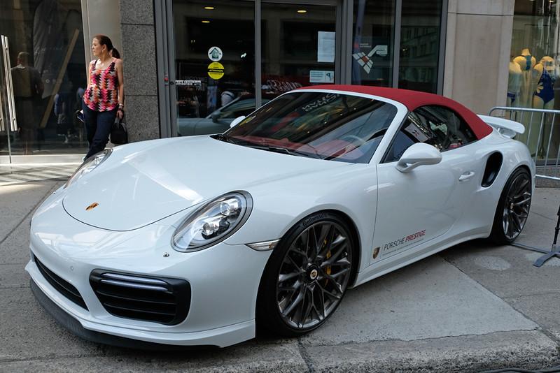 Porsche 911 Cabrio.jpg