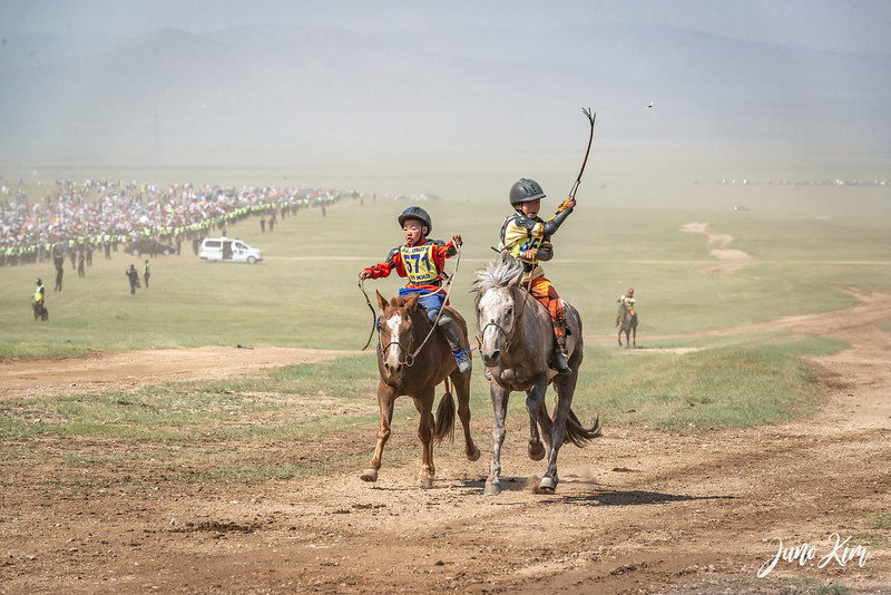 Horse racing__6109050-Juno Kim.jpg