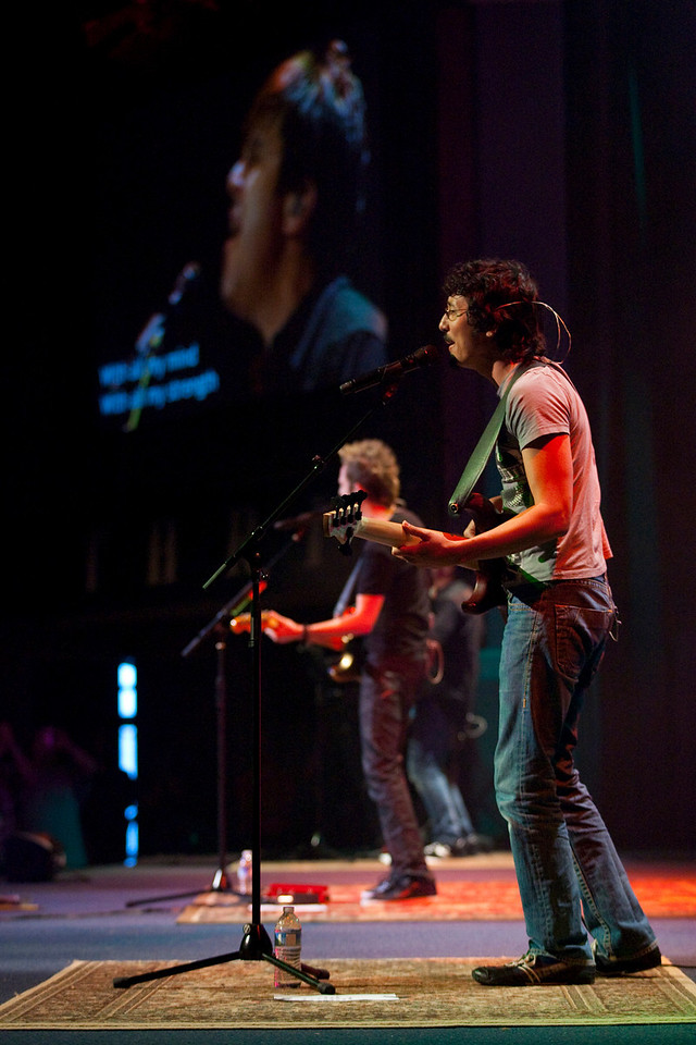 Thrive 2010 - Thursday Worship