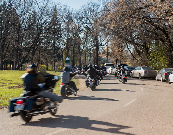 DAVID LIPNOWSKI / WINNIPEG FREE PRESS   A group of motorcyclists at Assiniboine Park Saturday November 5, 2016 on an unseasonably warm fall day.