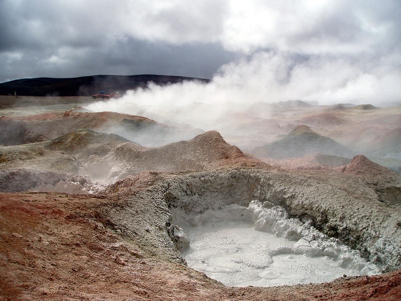 ayuni-desert-thermal-area-mud-steam.jpg