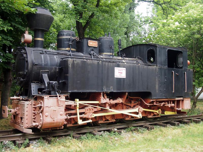 P5228536-old-locomotive.JPG