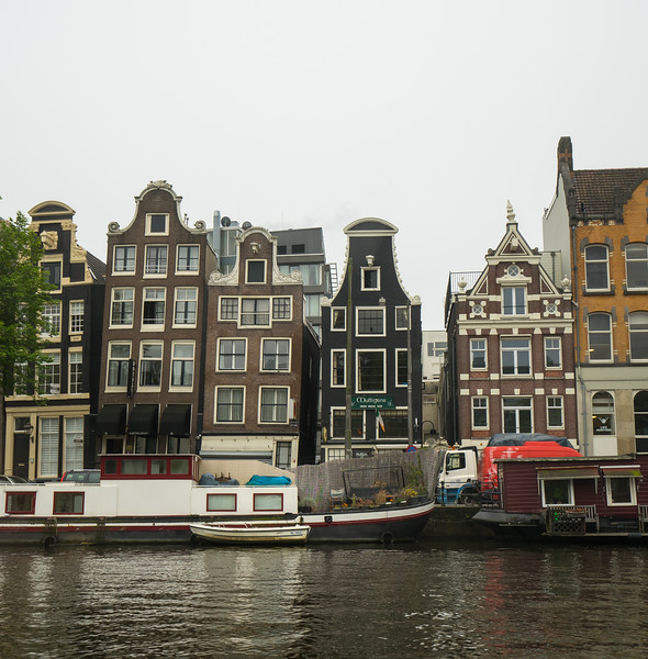 09-17-16 DSC01175 Amsterdam Along walk.jpg