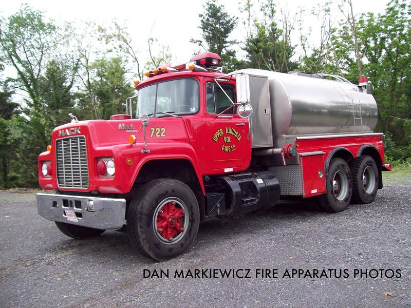 UPPER AUGUSTA FIRE CO. TANKER 722 1988 MACK/4GUYS TANKER