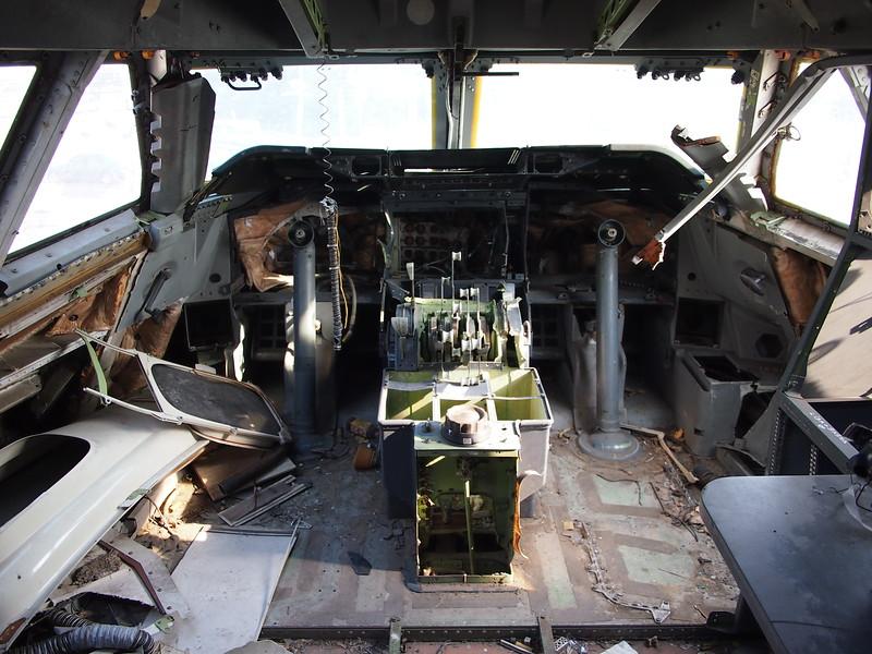 P3042834-cockpit.JPG