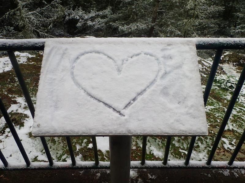 PB030064 snow heart.jpg