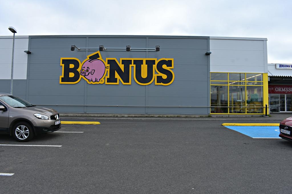Bonus Grocery Store Budget Shopping Iceland