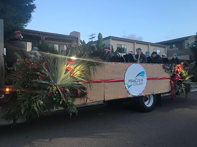 Encinitas Holiday Parade 2018