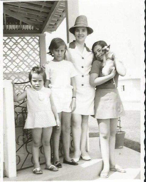 Paula Botelho e amigas