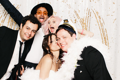 Howard + Shreya (Photo Booth)