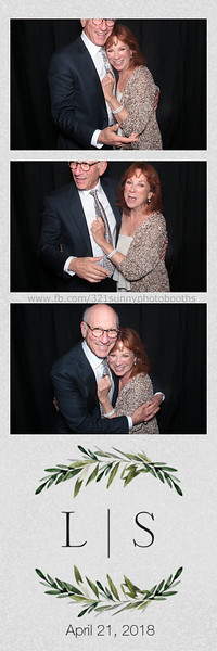 ELP0421 Lauren & Stephen wedding photobooth 37.jpg