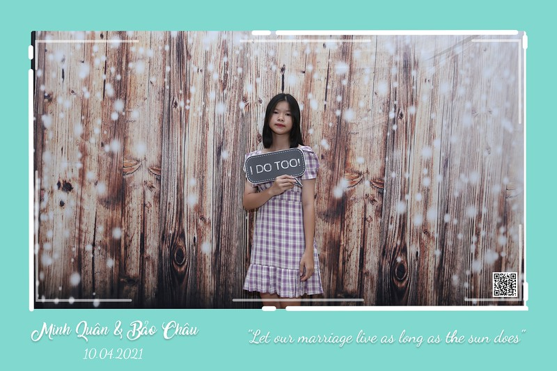 QC-wedding-instant-print-photobooth-Chup-hinh-lay-lien-in-anh-lay-ngay-Tiec-cuoi-WefieBox-Photobooth-Vietnam-cho-thue-photo-booth-087.jpg