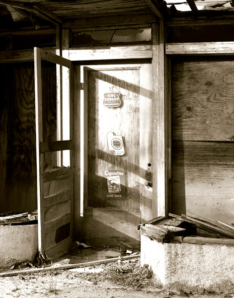 07-1994 418B Groveton Lucky Strike Door.jpg