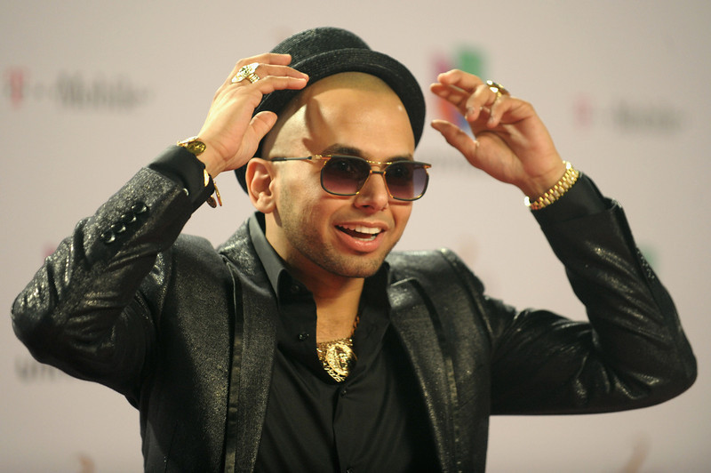 ". Sensato arrives at the 25th Anniversary Of Univision\'s ""Premio Lo Nuestro A La Musica Latina\"" on February 21, 2013 in Miami, Florida.  (Photo by Gustavo Caballero/Getty Images for Univision)"