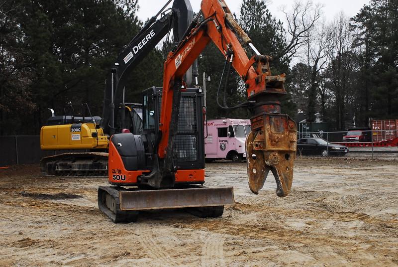 NPK K4JR demolition shear on Hitachi mini excavator at Demotrax  1-18 (4).JPG