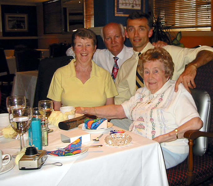 Nana 90th bday dinner 7.jpg