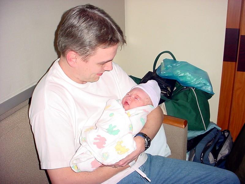 20040127-214954.DSC00005.DaddyHoldingKimber.jpg