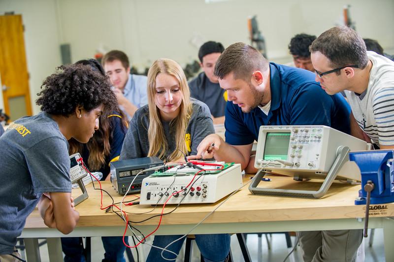 17339-Electrical Engineering-8232.jpg