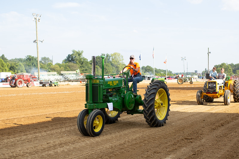 Antique Tractor Parade-26.jpg