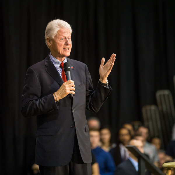 President Bill Clinton @ TCNJ 5-13-2016-24.jpg