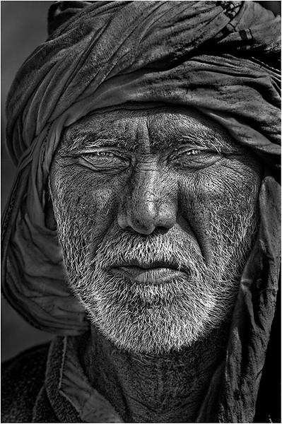 India 675 bw.jpg