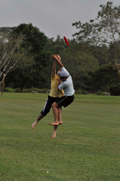 042409Ultimate Frisbee @ EARTH117.jpg
