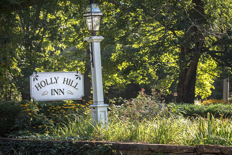 17_0809_HollyHillInn_ww-7531.jpg