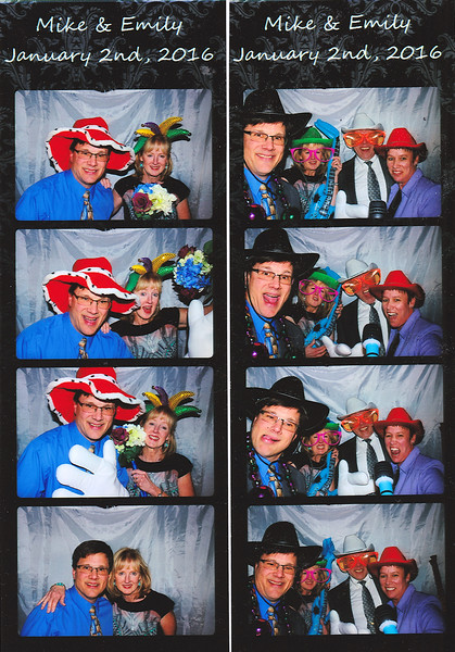 Mike_Emily_Wedding_photobooth_3.jpg