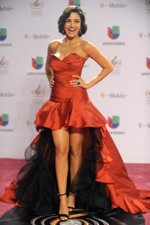 ". Itahisa Machado arrives at the 25th Anniversary Of Univision\'s \""Premio Lo Nuestro A La Musica Latina\"" on February 21, 2013 in Miami, Florida.  (Photo by Gustavo Caballero/Getty Images for Univision)"