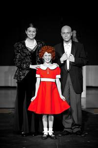 2011 Annie - Group Shots