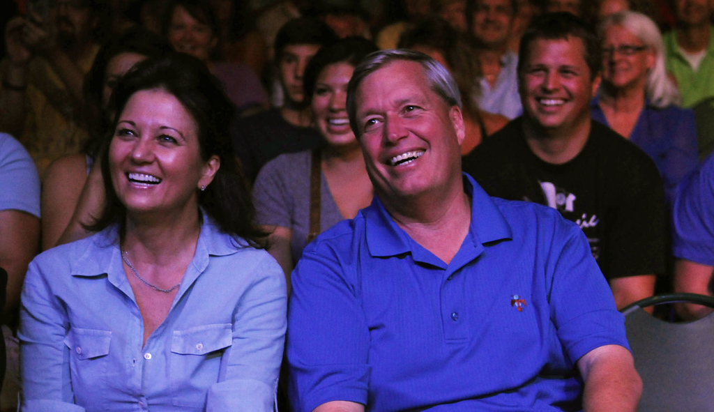 . The crowd enjoys laughs at an impression performed by Dana Carvey. (Pioneer Press: John Autey)