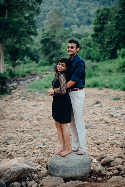 LightStory-Poorna+Vibushan-CoupleShoot-183-Edit.jpg